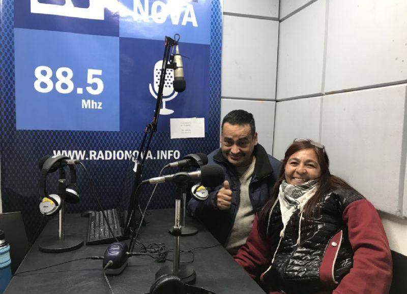 El Cholo y Rosana visitaron los estudios de Cadena Radial NOVA.