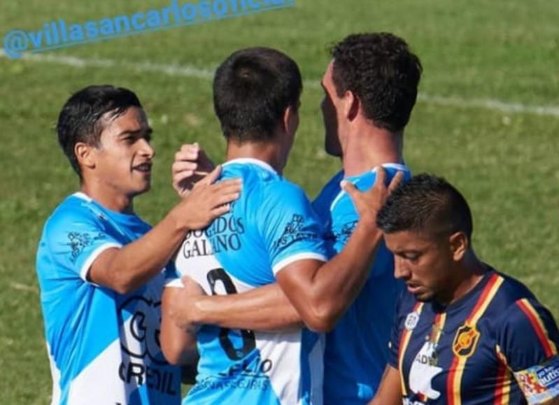 El visitante comenzó arriba con el gol de Camacho a los 17 minutos, pero muy rápidamente a los 20 minutos Alexis Alegre se sacó un hombre de encima y colocó un centro para que Ruíz Martínez cabecee en el primer palo y estampe el 1-1.
