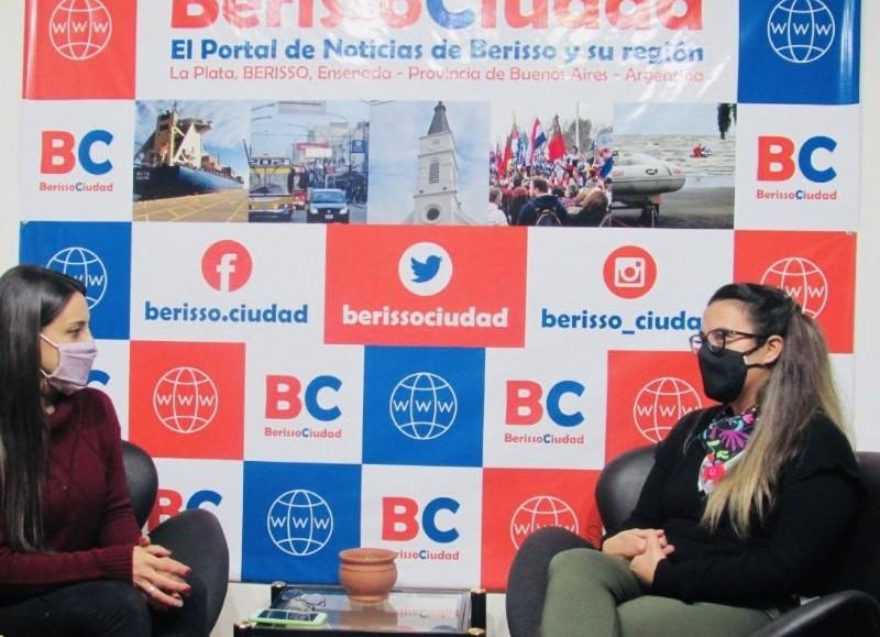 """Antonella Villa Chiodo, en el aire de BerissoCiudad """"El Backup""""."""