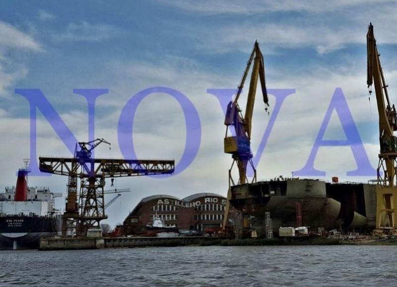 """El accidente ocurrió este lunes por la noche en el sector conocido como """"matera"""" de los talleres de la fábrica naval. (Foto: NOVA)."""