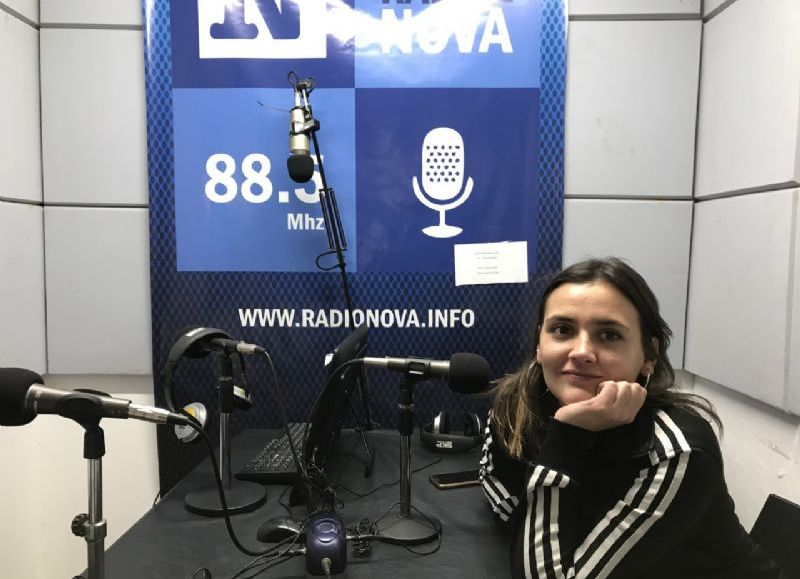 Martina Drkos en el aire de BerissoCiudad en Radio.