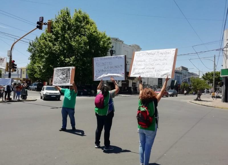 Manifestación en Montevideo y 7.