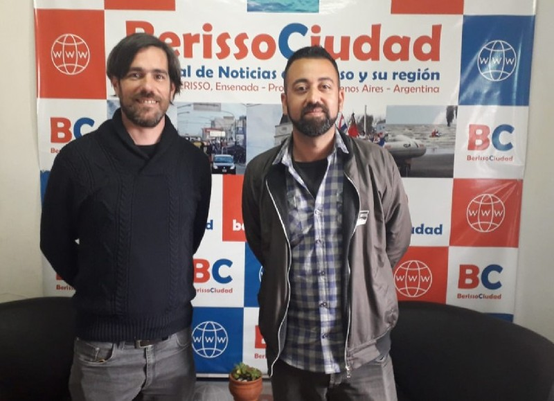 Nicolás del Caño y Federico Surila, en los estudios de BerissoCiudad en Radio.
