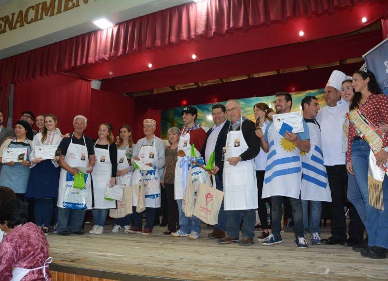 """Este sábado se llevó a cabo la séptima edición del concurso de comidas típicas """"Los Sabores de Berisso"""", que organiza cada año una de las autoras del libro que lleva el mismo nombre que el certamen, Stella Loholaberry, dentro del cronograma de la 41ª Fiesta Provincial del Inmigrante en Berisso."""