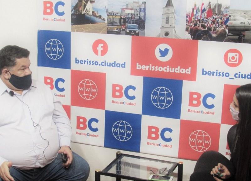 """El exintendente en el aire de BerissoCiudad en Radio """"El Backup""""."""