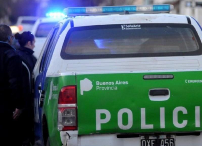 Los efectivos policiales lograron detener al joven que dejó inconsciente a su víctima en la calle.