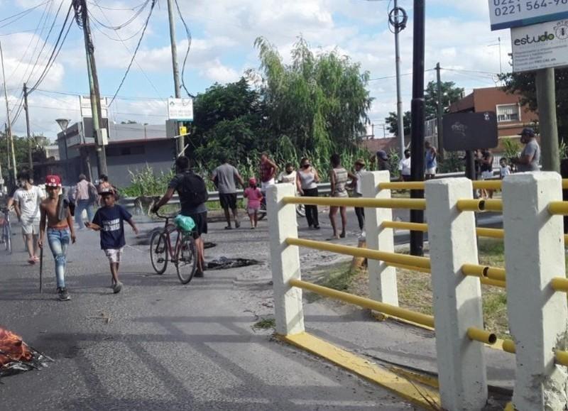 Tensión en el Puente de la calle 40