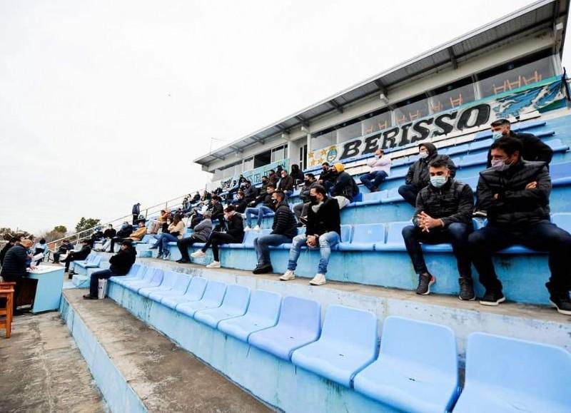 Asamblea en el estadio.