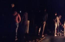 Vecinos de Villa Nueva y Arguello sin luz salieron a la calle a reclamar