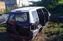 Cortaba autos a cambio de dinero para que los dueños puedan cobrar el seguro