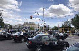 Taxistas se manifiestan sobre la Génova