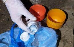 Los huevos de plástico estaban escondidos en un desagüe cloacal.