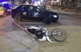 El accidente de cada día: Choque entre taxi y motocicleta