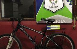 Oficial de policía vendía por Facebook una bicicleta robada