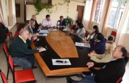 Nedela se reunió con concejales y consejeros escolares