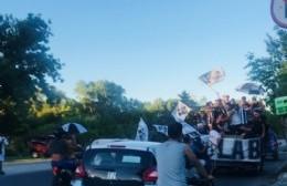 """Multitudinaria caravana de hinchas por los 100 años de La Cebra: """"Estrella es lo más grande que hay"""""""