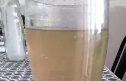 Agua turbia en 25 y 153: Sale sucia y con olor a podrido