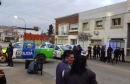 La Policía continúa la medida de fuerza en las calles de Berisso