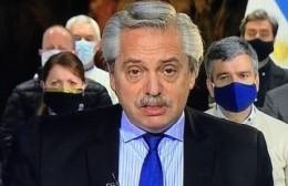 """Fernández anunció un Fondo de Financiamiento para Provincia y pidió a la Policía """"que deponga esta actitud"""""""