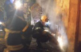 Un rayo cayó sobre una cabina de gas y la prendió fuego