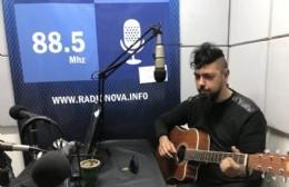 """El compositor y poeta presentó """"Almamosca"""" en BerissoCiudad en Radio."""
