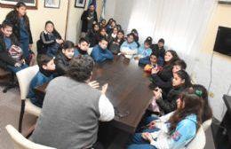 Nedela recibió a alumnos del Instituto María Reina