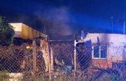 Voraz incendio: Daños totales en vivienda de 5 y 171