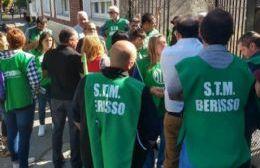 Con la compulsa de dos listas, los trabajadores municipales van a las urnas