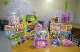 El Sindicato Municipal comienza la entrega de juguetes por el Día de la Niñez