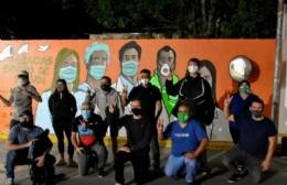 Agradecimiento al personal de salud berissense plasmado en un mural