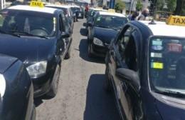 Taxistas de Berisso se sumaron a la protesta nacional contra el transporte ilegal