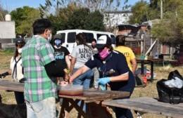 Scouts de Argentina y de Franja en Progreso distribuyeron cerca de 200 viandas