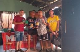 Bolsas y canastas navideñas para 70 familias de Berisso