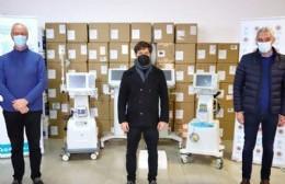 Kicillof entregó dos respiradores para el Hospital Larraín