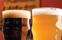"""Cerveceros locales la pasan mal por la crisis, pero resisten: """"Apostamos a Berisso"""""""