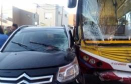Choque entre colectivo y camioneta: Hay heridos