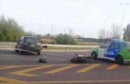 Un motociclista resultó herido.