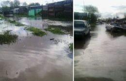 Un barrio bajo el agua, con frío y la tristeza de haber perdido todo