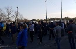 Nuevo enfrentamiento entre policías y una facción de la UOCRA en la destilería de YPF