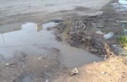Villa Progreso: Caño roto y pedido de ayuda a la Delegación I
