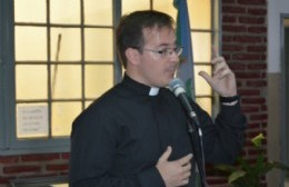 "Padre Jonatan Gusmerotti: ""Apunto a lo positivo, transmitiendo un mensaje claro pero no polémico"""