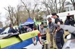Recala en el Parque Cívico la muestra itinerante de la Policía Bonaerense