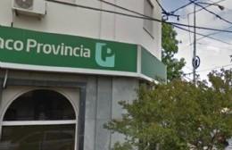 Cierre preventivo de la sucursal del Banco Provincia de Montevideo y 7