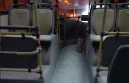 Susto en un colectivo de la línea 202: Se activó un extintor y hubo que evacuar la unidad