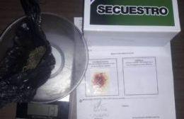Joven detenido por tener una pequeña cantidad de marihuana