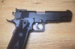 Detenido por amenazar a los vecinos con un arma de fuego