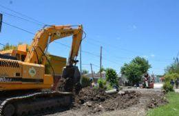 Avanzan las obras de pavimentación sobre calle 165