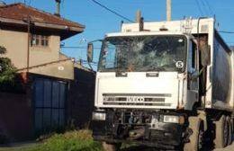 Un camión de recolección a la deriva en 124 y 27