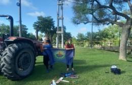 Vecinos Autoconvocados frenaron al tractor que realiza la parquización en el Canal Génova