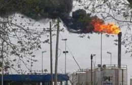 YPF advirtió presencia de humo e intensidad de antorchas